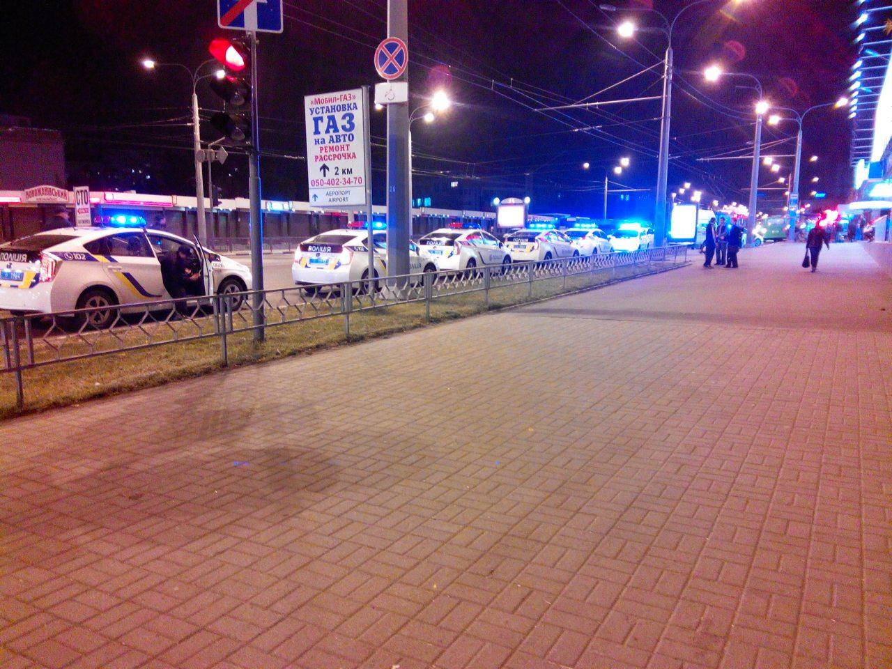 Соцсети: ночью в центре Харькова напали на