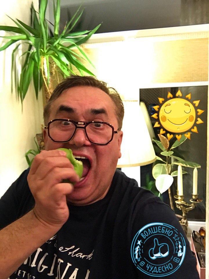 Почему-то издавна именно яблоко считается тем самым символом грехопадения.