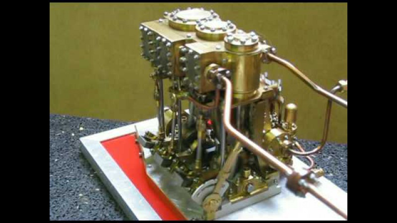 Model steam engine for tug Maarten