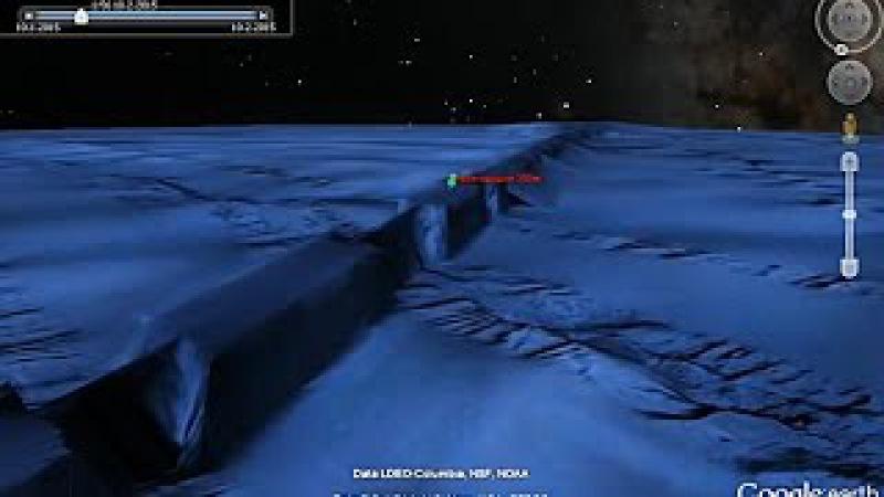 Следы выработки породы на дне океана высотой в 1 км.