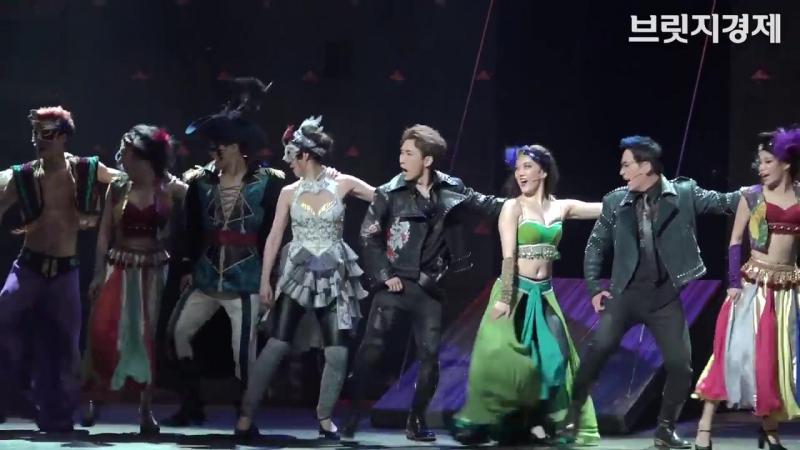 [영상] 햄릿 이지훈·B1A4 신우·BtoB 서은광·VIXX 켄, 대세 아이돌들이 연기하는 햄릿의 활약상은