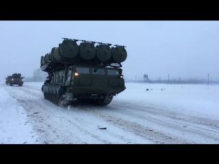 Расчеты войсковых ЗРК С-300В провели тренировку по противовоздушной обороне в Московской области