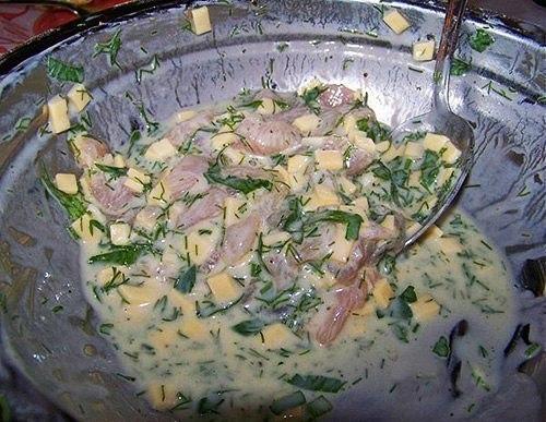 Куриные оладьи с сыром на кефире Ингредиенты: - 2