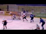 Нападающий Иван Савченко разбил стекло во время матча Кривбасс - Кременчуг