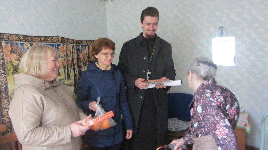 Участники проекта «Надежда» посетили на дому маломобильных клиентов