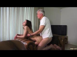 Малышки порно инцест