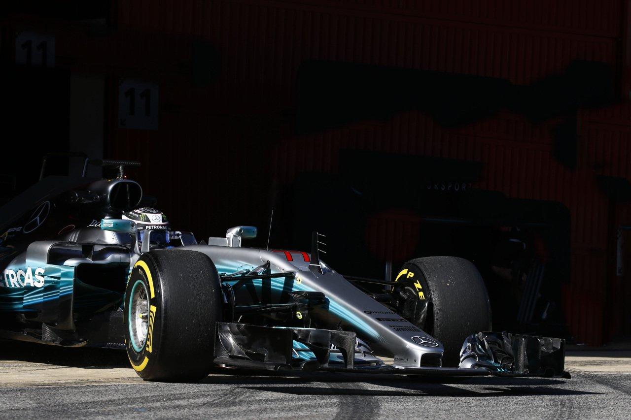 Валттери Боттас стал первым на тестах в Барселоне 8 марта 2017 года