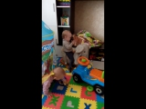 Володя и Миша, 1,2 года:)