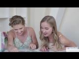 Соня Киперман и Саша Егорова тестируют скретч-постер #100 ДЕЛ настоящей девочки !