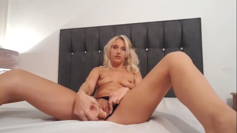 Horny college girl orgy