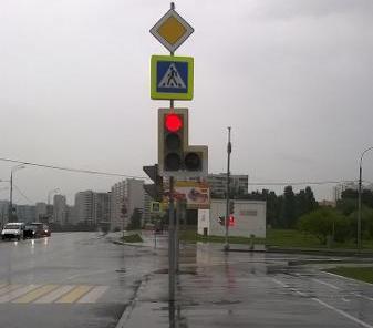 Светофор в Братееве отремонтировали после жалобы