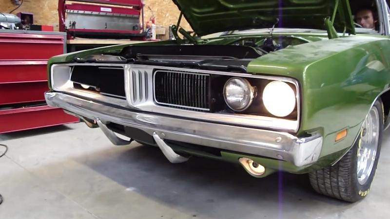 Dodge charger 1969 383 headlight door