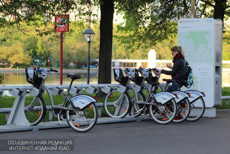 Велосипедисты проехали в Братеево в рамках маршрута по Югу Москвы