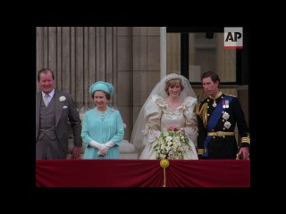 Wedding of Charles & Diana in 4K | Clip 11 | Charles and Diana kiss on balcony | 1981