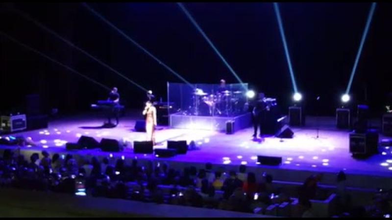 Ани Лорак исполняет песню Уитни Хьюстон