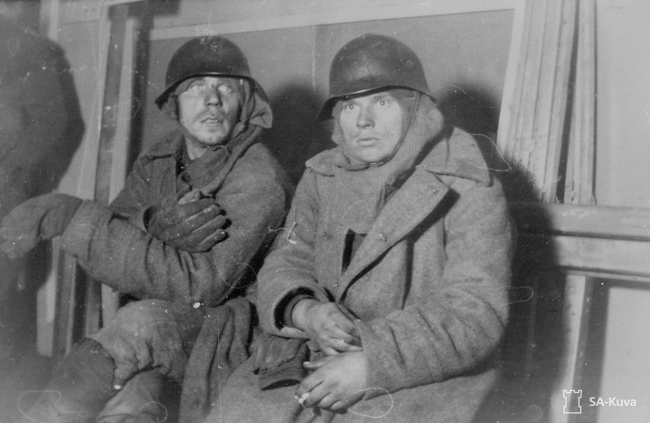 Пленные бойцы Красной Армии.Зимняя война,1939 год.