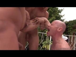 Обоссали прислугу порно жесть фото 635-179