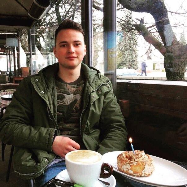 У #ЛьвівськийШтрудель люблять іменинників! Даруємо