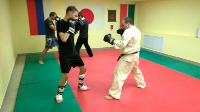 Renraku class in Underground Crossroads shikon shihan kickboxing bjj grappling karate undrgroundcrossroads