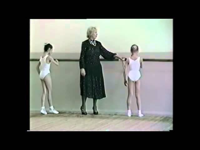 Классический танец, девочки 1 класс, 2-е полугодие, часть 2