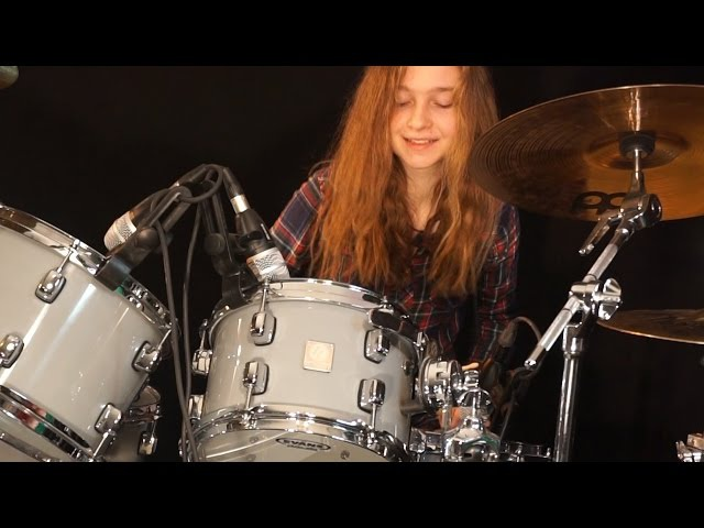 Waiting For A Girl Like You (Foreigner); drum cover by Sina