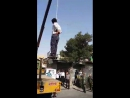 Наказание смертью за изнасилование несовершеннолетней девочки в Иране.