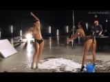 Обнаженные участницы группы NikitA (Даша Астафьева, Юлия Бричковская, Нана) в рекламе автопортала (2013) без цензуры