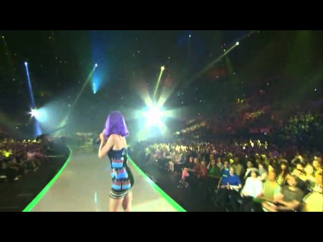 Lady Gaga Applause Live VS Katy Perry Roar VMA 2013 Video Music Awards 720p HD