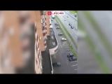 Шок Илона Новоселова выпала из окна