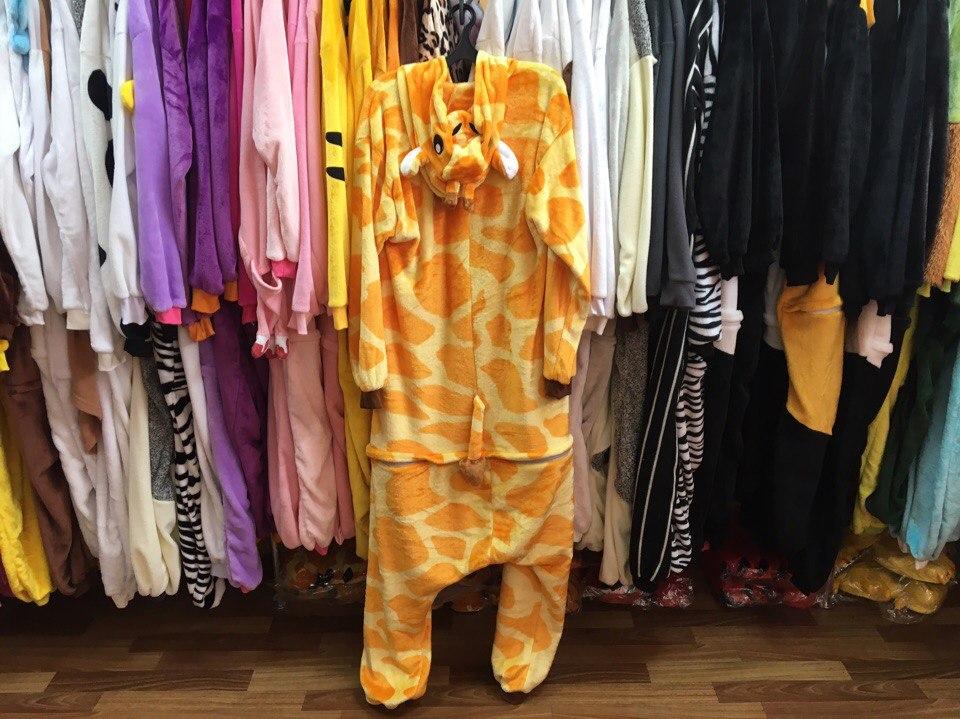 фото пижамы кигуруми жираф в полный рост, вид сзади