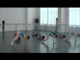 Невероятный танец в обычной китайской школе танцев