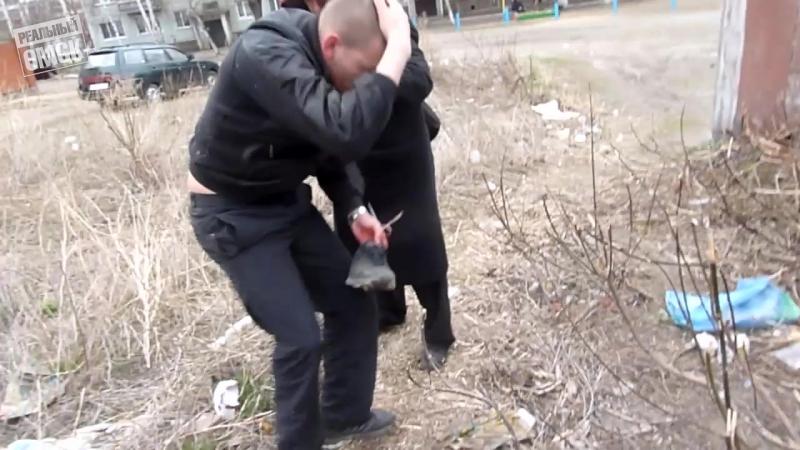 В Омске за грабежи задержан активист Навального Алехин