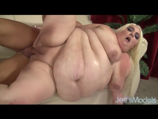 Xhamster.com_7917643_massive_bimbo_blonde_loves_taking_a_hard_dick_480p