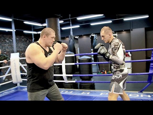 Три простые и эффективные комбинации ударов для бойцов MMA