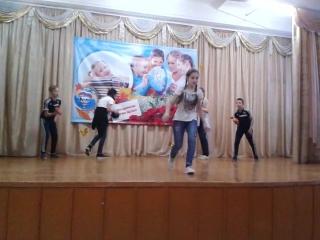 Наше выступление в школе//Танец под песню КРУЧЕ ВСЕХ/ 6Б