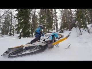 В моделях Ski-Doo Summit REV Gen4 грядущего сезона будут представлены новые варианты подвески FOX - лидера в сфере производства