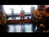 Танцевальный баттл в океанариуме