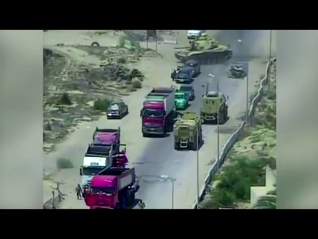 Египетские солдаты проехались танком по шахид мобилю, но не предотвратили взрыв