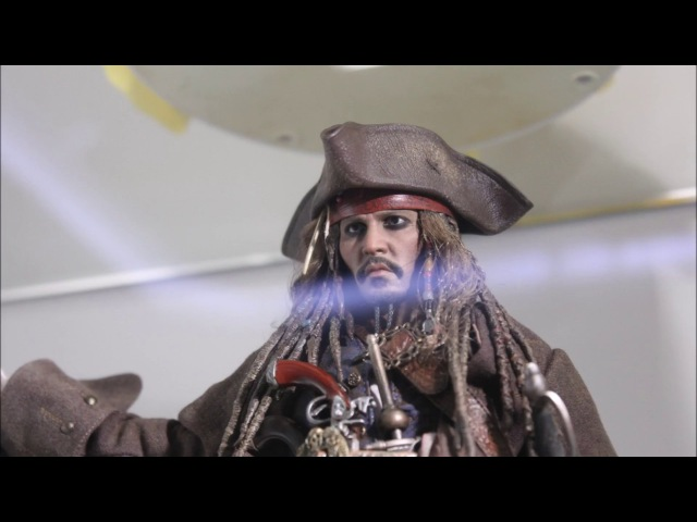 Фигурки Hot Toys DX15 JACK SPARROW 1/6TH SCALE COLLECTIBLE FIGURE