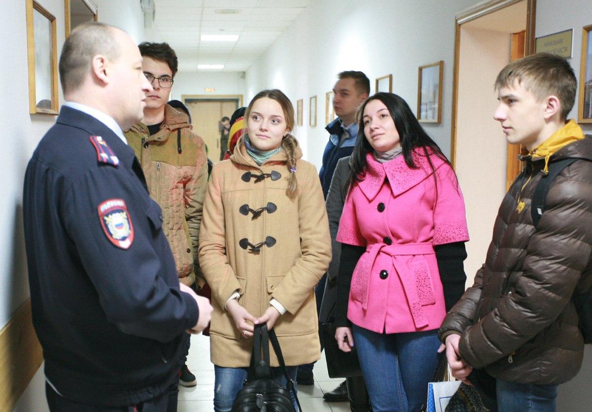 Школьники узнали об особенностях полицейской службы