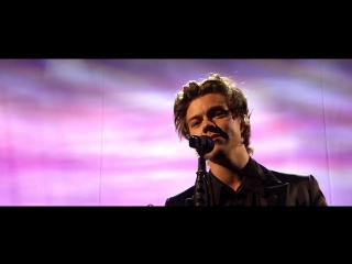 Harry Styles - Sign of the Times (Live on The Graham Norton Show)