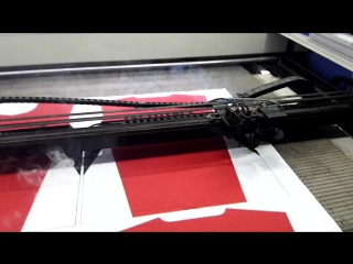 JQ 1810 Видение лазерной резки для сублимации ткани