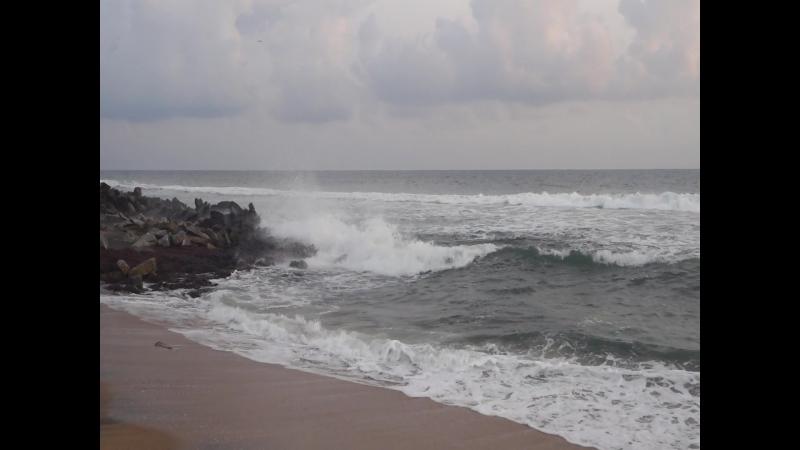 Волны в мае 2017 (Индия, Варкала)