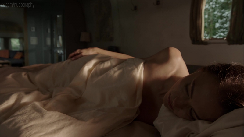 Обнажённая Триесте Келли Данн (Trieste Kelly Dunn) в сериале