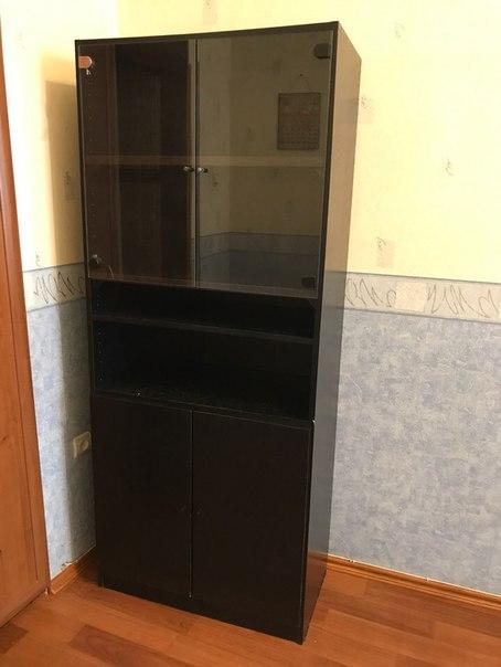 Продам офисную мебель чёрный шкаф и тумбу. Все в отличном состоянии, ч