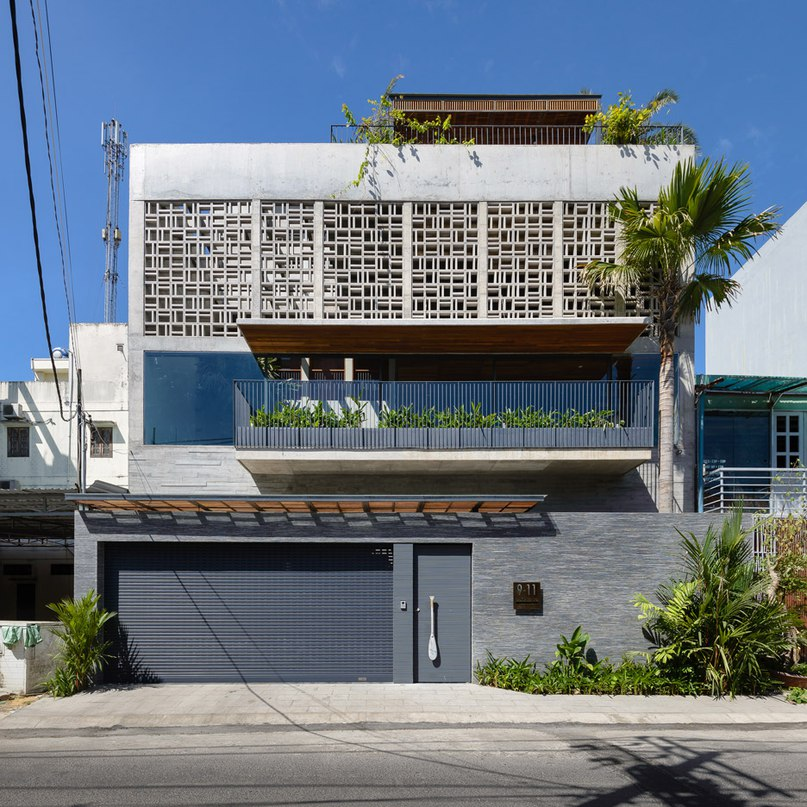 H House features a geometric patterned facade and an indoor swimming pool (Part 1)