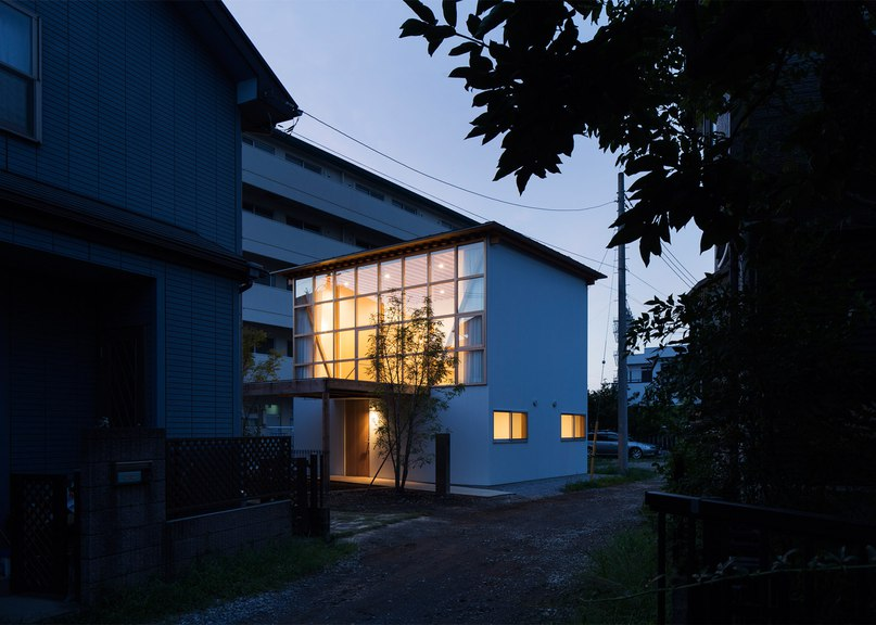 Tetsuo Yamaji builds «a non-mass-produced house with mass-produced components»