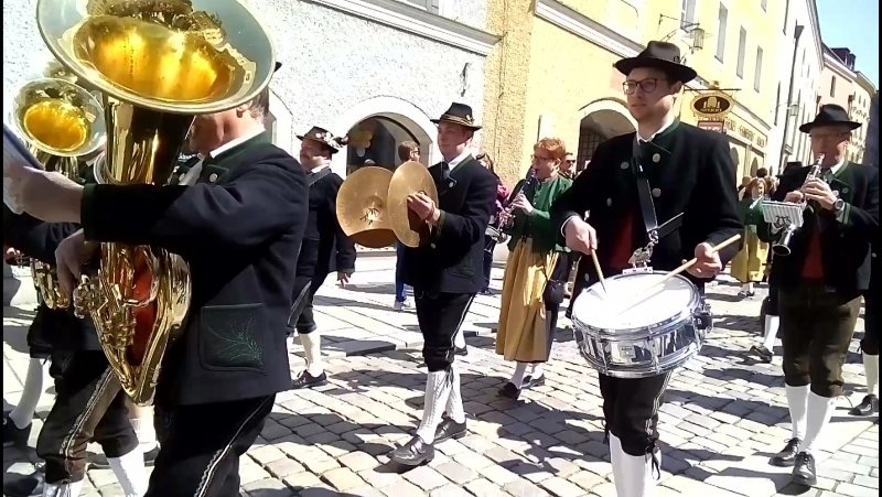 Großer Trachten- und Schützenzug (Passauer Dult)