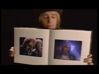 Tom Petty, George Harrison, Ringo Starr & Jeff Lynne – I Won't Back Down (1989)