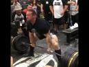 Дэн Грин тянет 370 кг без экипировки